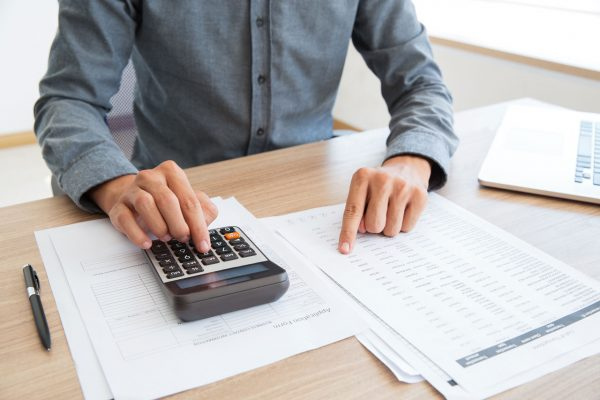 bookkeeper-calculating